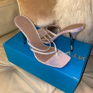 Fenty T-HEEL SQUARE SANDALS 105. New with box